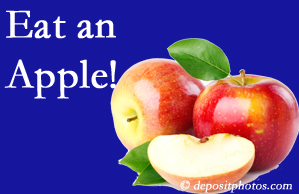 Pflugerville chiropractic care encourages healthy diets full of fruits and veggies, so enjoy an apple the apple season!